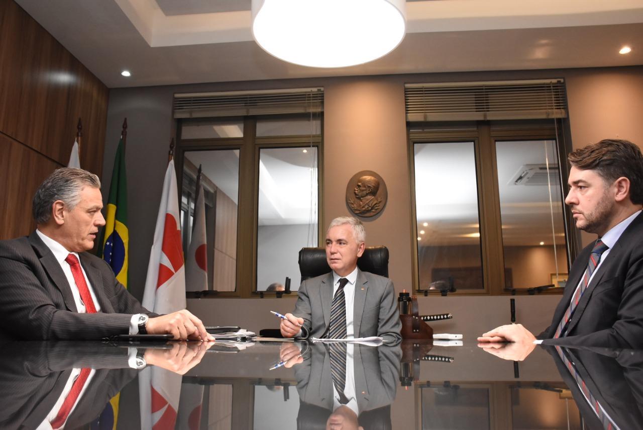 IPDA e OAB Paraná estudam medidas para aprimorar legislação administrativa do estado